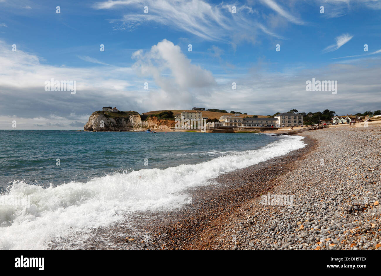 waves-breaking-on-beach-freshwater-bay-isle-of-wight-hampshire-england-DH5TEX.jpg