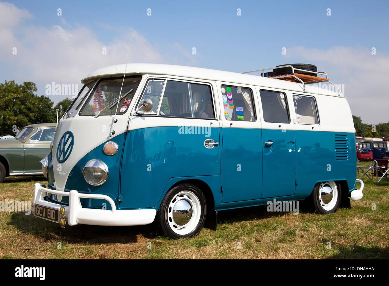 Vintage Camper Van Stock Photos Amp Vintage Camper Van Stock