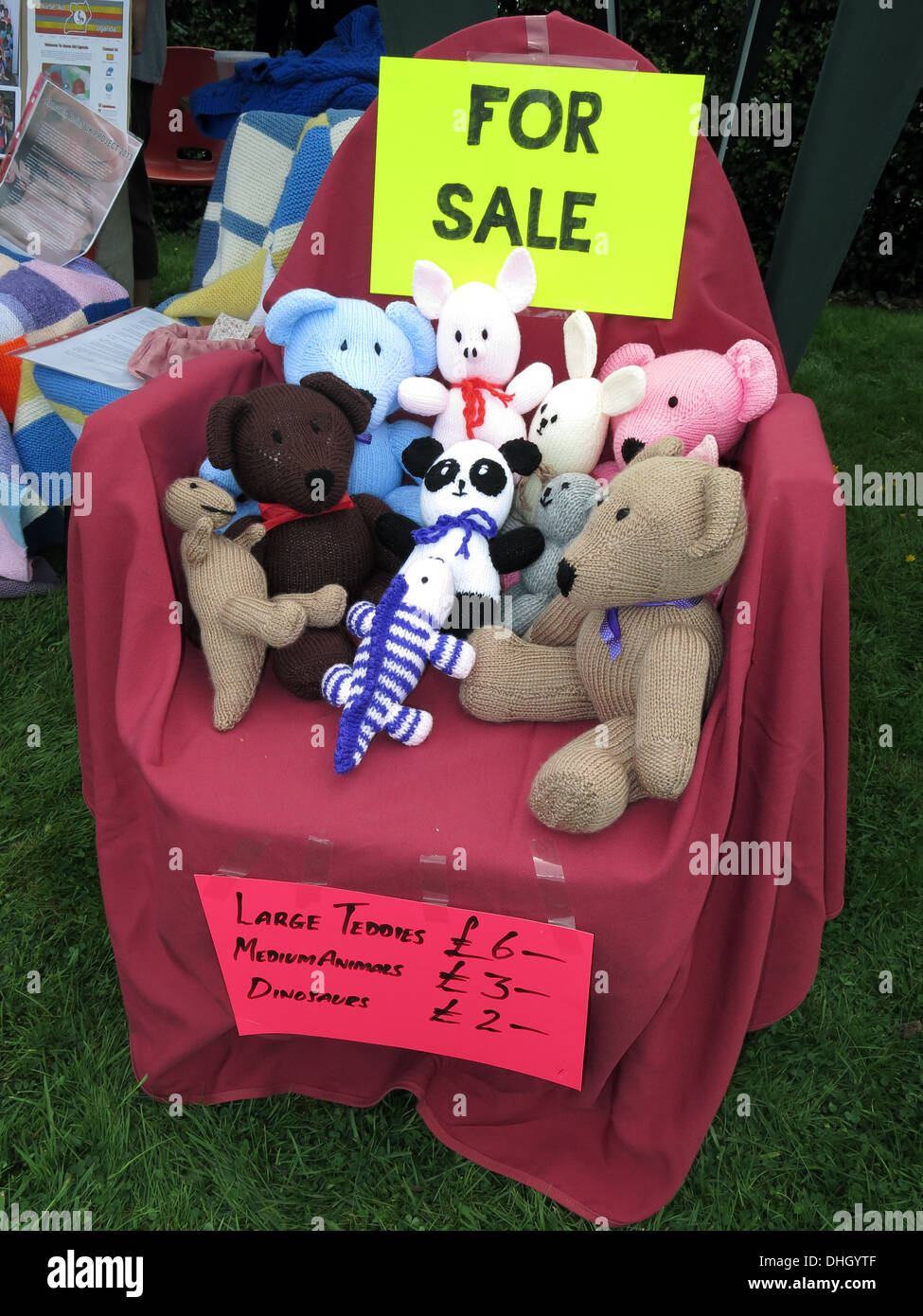 Knitted,animal,things,for,sale,crafts,animals,for,charity,teddy,teddies,wool,fabric,raising,money,raising money,GoTonySmith,Buy Pictures of,Buy Images Of