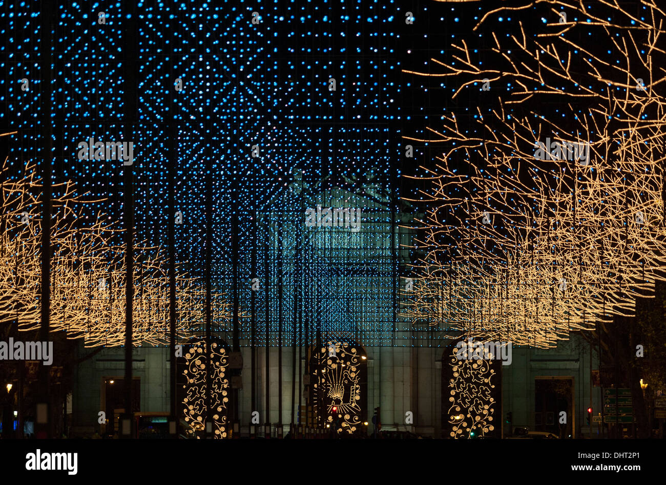 christmas-lights-in-madrid-puerta-de-alc