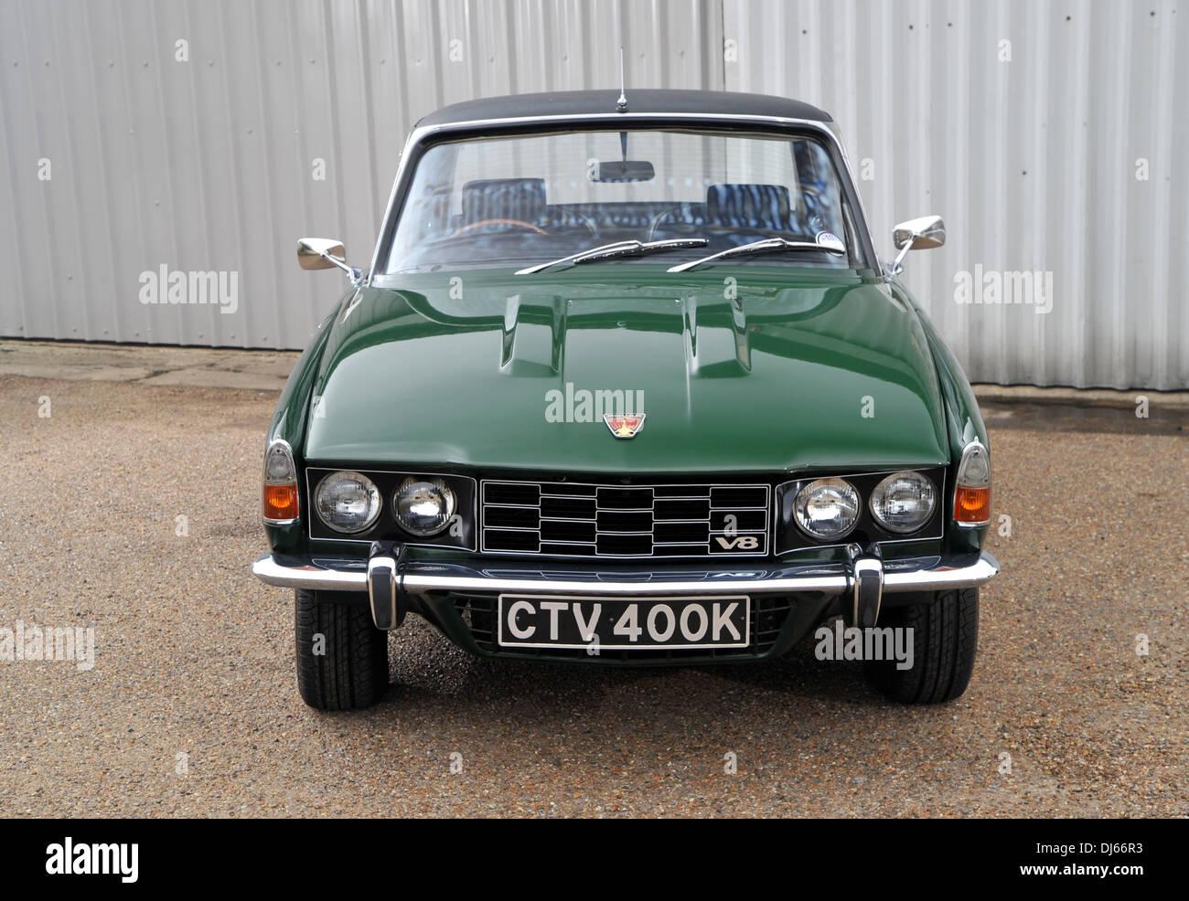 1972 rover 3500s p6 british classic car with 3 5 litre buick derived rh alamy com Land Rover V8 Rover V8 Performance