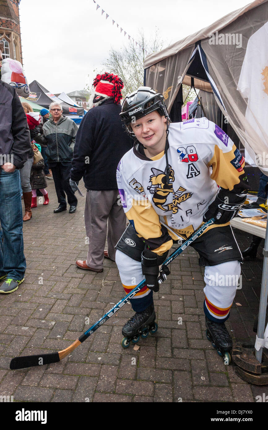 sarah-gunstone-of-the-bracknell-bees-ice