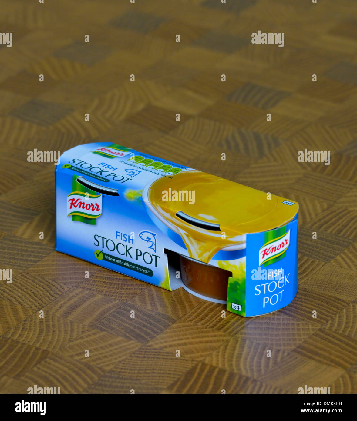 box-of-knorr-fish-stock-pot-DMKXHH.jpg