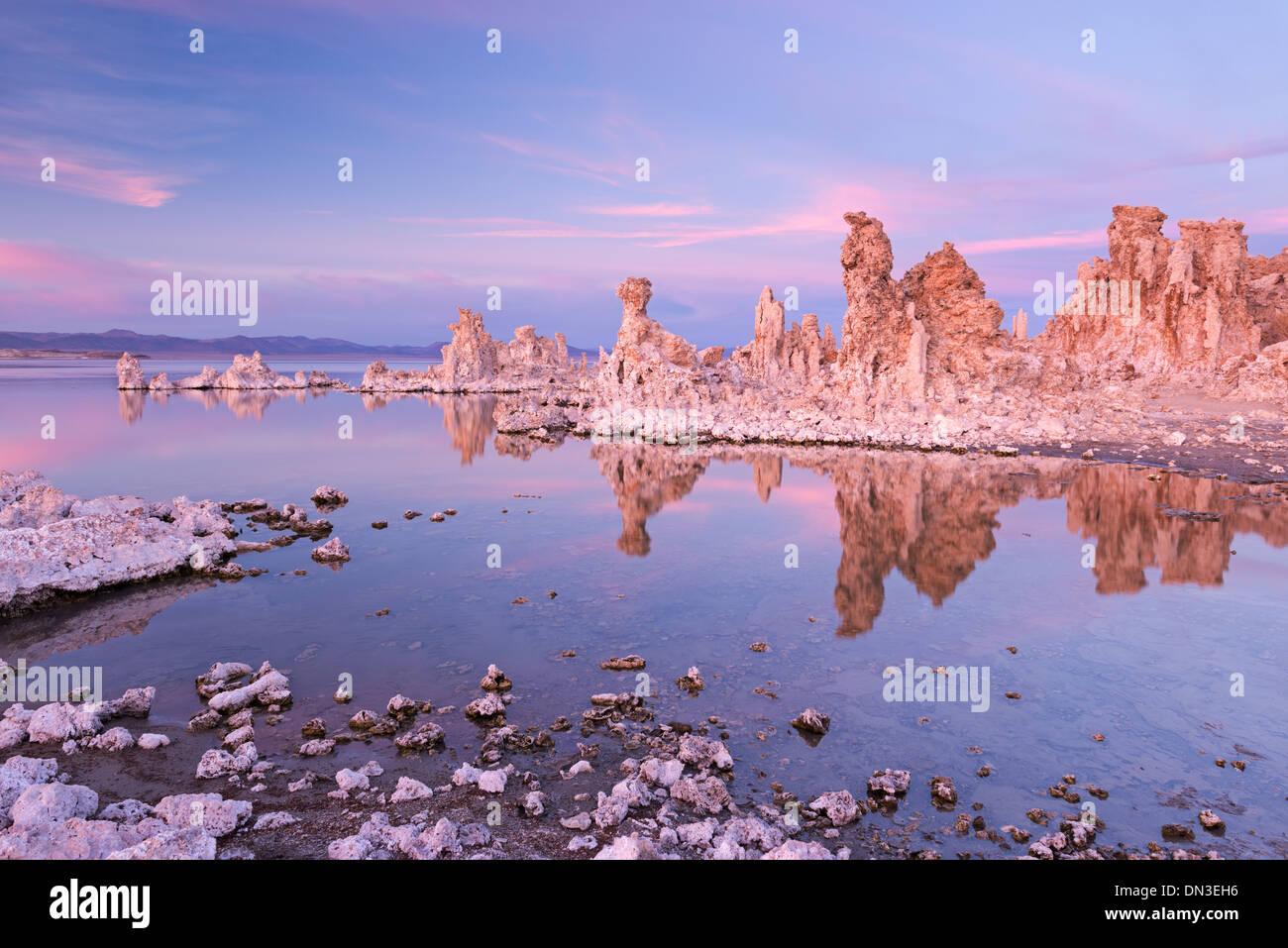 Mono Lake tufa towers at sunset, California, USA. Autumn (October) 2013. - Stock Image