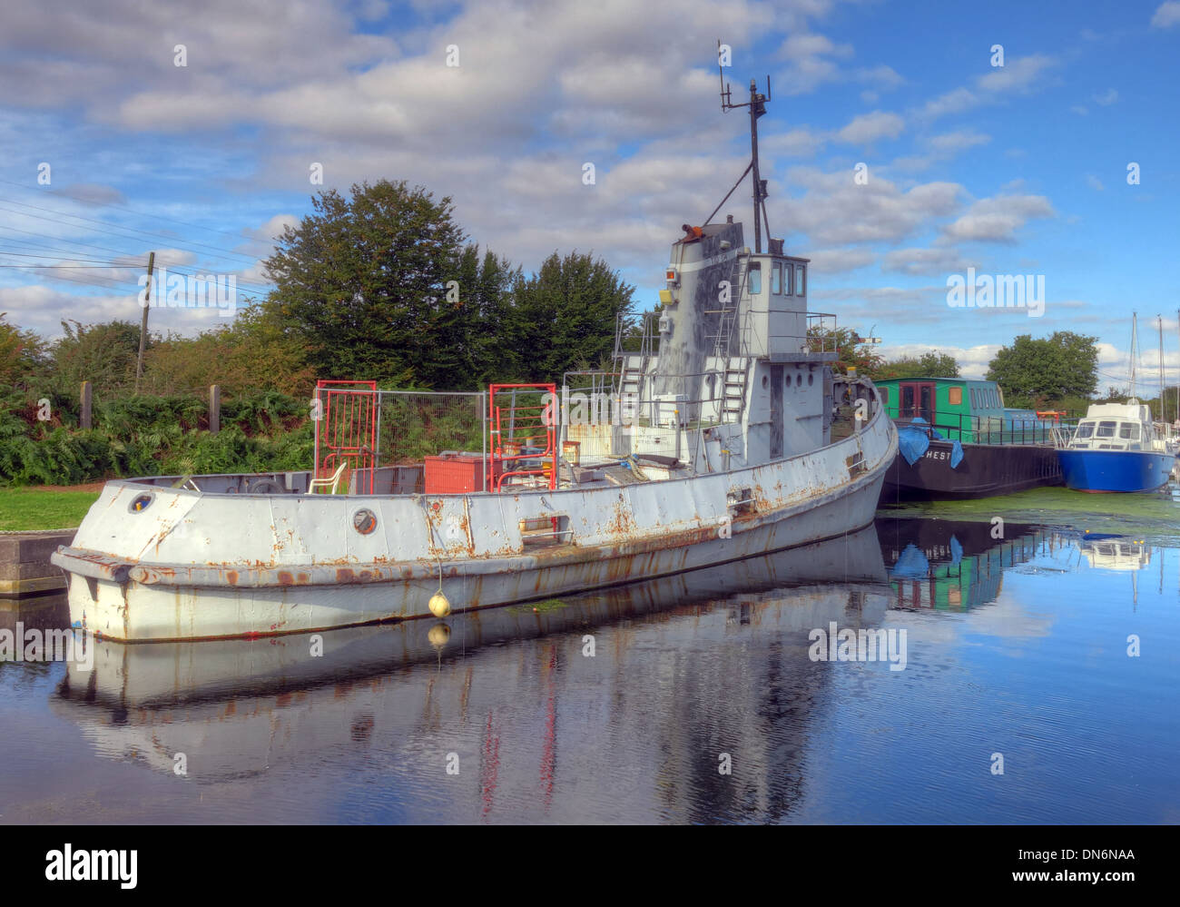 GB,Great,Britain,Boat,on,the,Sankey,Canal,Reflection,Warrington,Cheshire,England,UK,pano,panorama,wide,shot,widshot,summer,bright,day,Ferry,Tavern,marina,Mersey,safe,haven,safehaven,lock,gates,lockgates,gate,tidal,SCARS,waterway,waterways,restoration,quay,quays,club,pub,gray,ship,gotonysmith vision,Warringtonians,Buy Pictures of,Buy Images Of