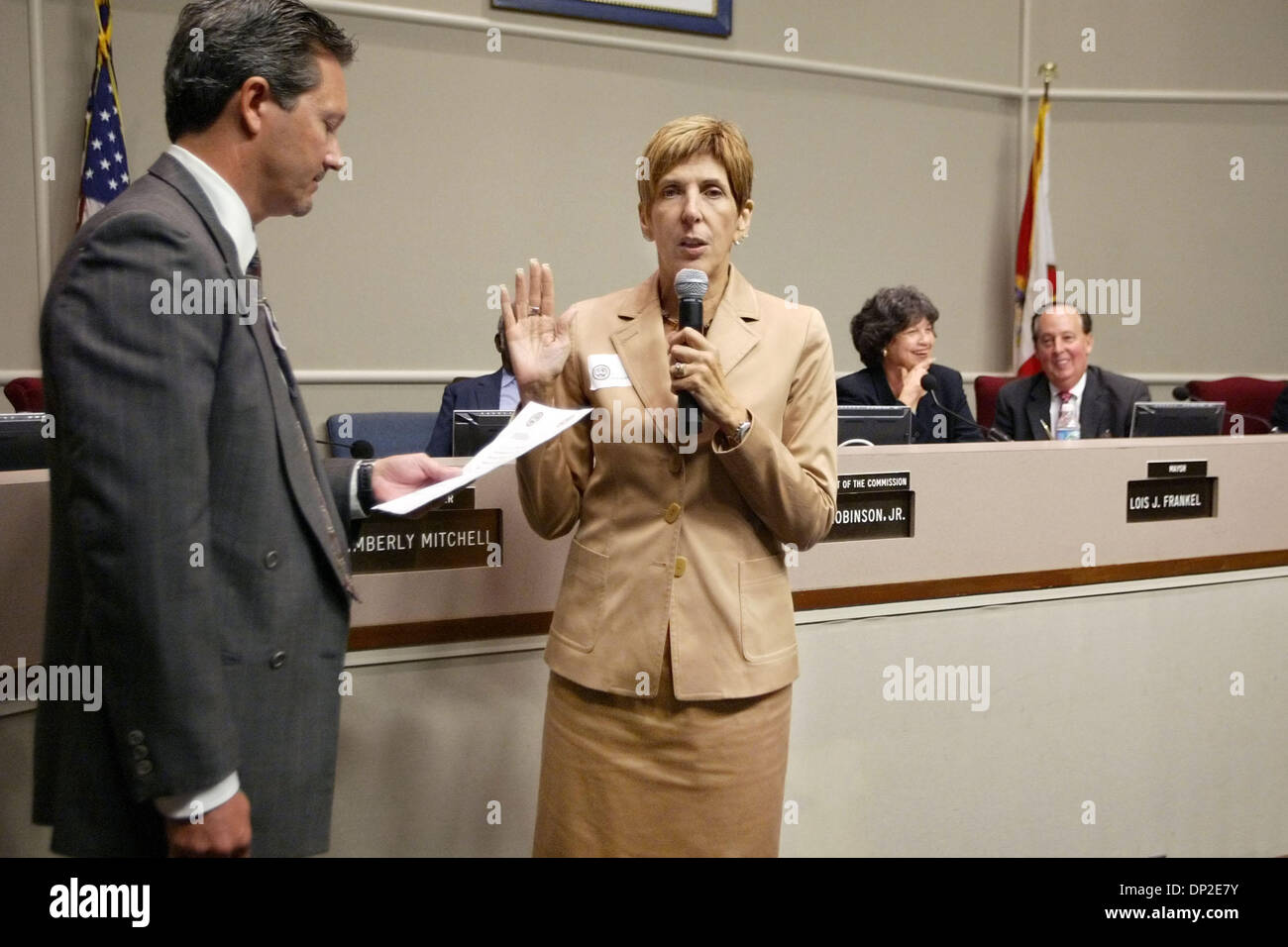 May 31, 2006; West Palm Beach, FL, USA; New West Palm Beach City Commissioner Geraldine Muoio, right is sworn in - Stock Image