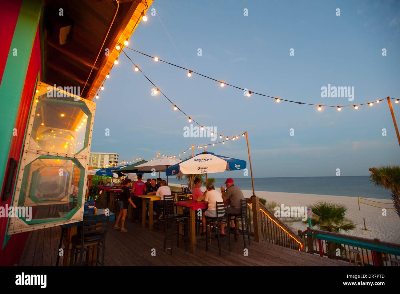 usa-mississippi-ms-biloxi-shaggys-biloxi-beach-bar-and-restaurtant-DR7PTD.jpg