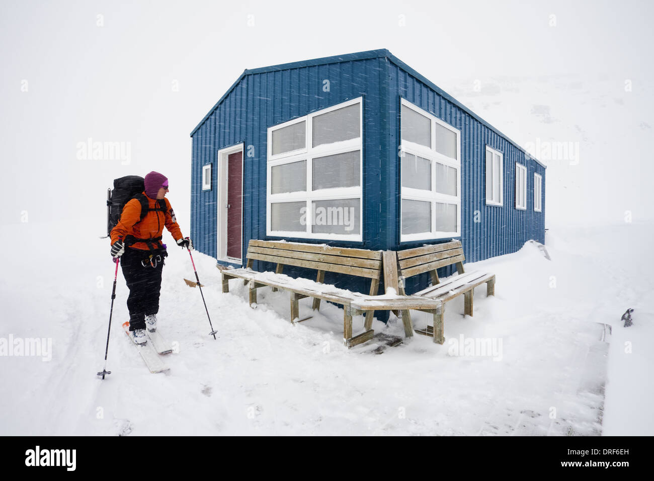 Alberta Canada. skier refuge hut Wapta Traverse mountain ski tour - Stock Image