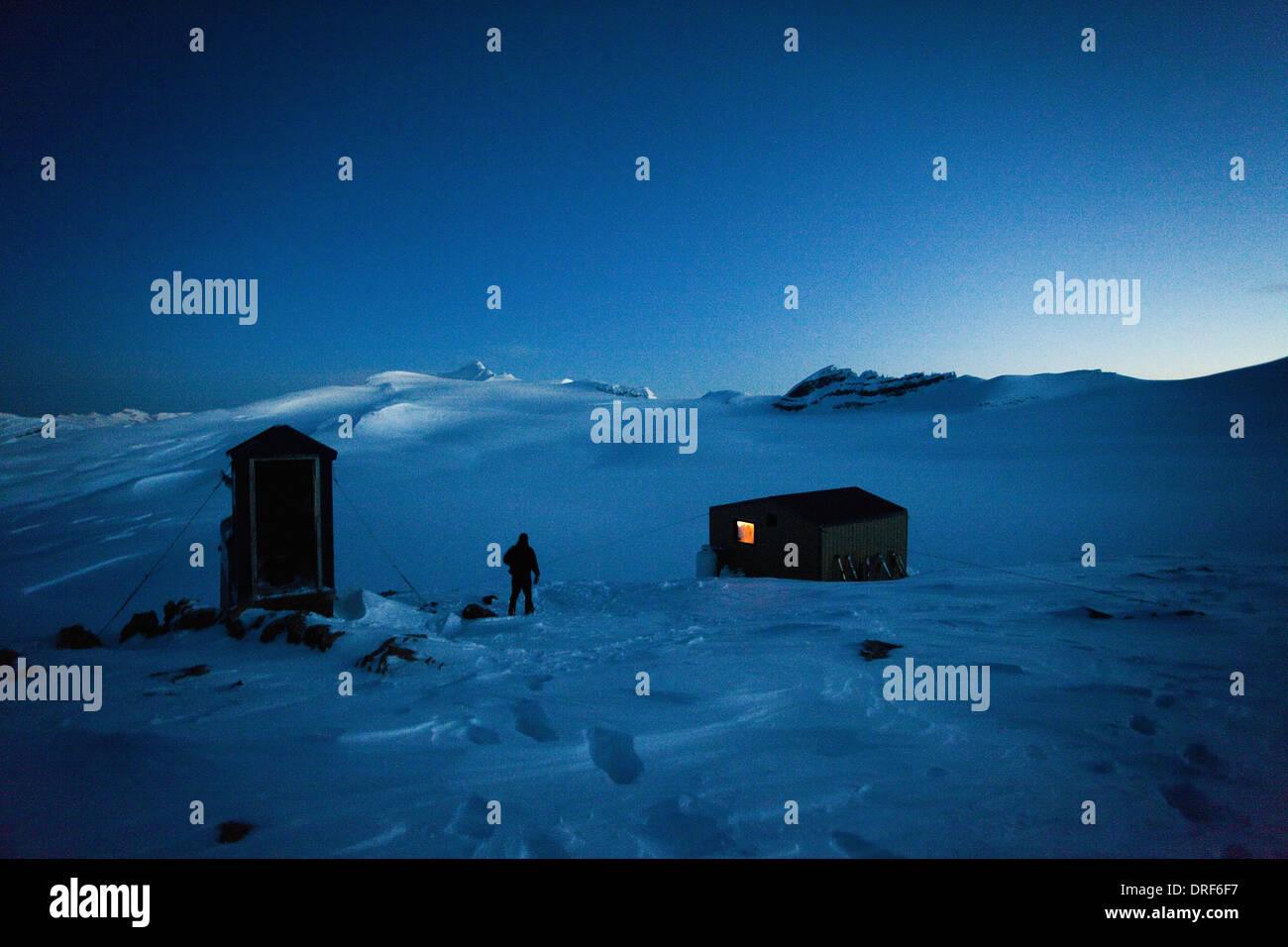 Alberta Canada. refuge on the Wapta Traverse hut-to-hut ski tour - Stock Image