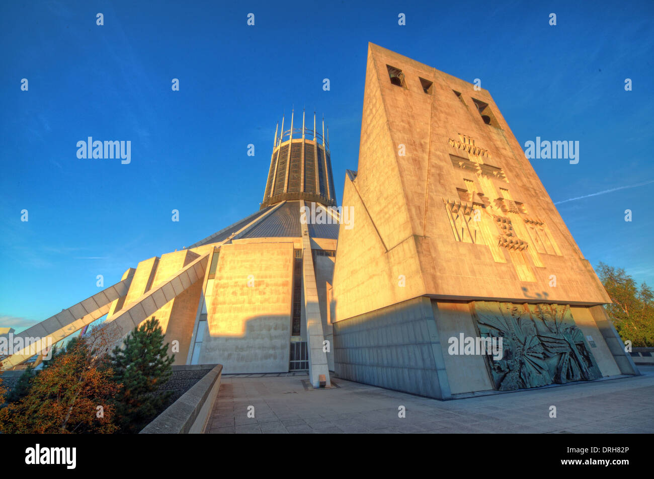 Hope,st,street,Roman,Catholic,Archdiocese,of,Liverpool,student,students,tourist,tourism,travel,to,tour,Metropolitan,Cathedral,of,Christ,the,King,(usually,known,as,Liverpool,Metropolitan,Cathedral),is,the,cathedral,of,the,Roman,Catholic,Archdiocese,of,Liverpool,in,Liverpool,England. The cathedral,2,Gotonysmith Christ The King,England UK Lutyen Lutyens Lutyens,Buy Pictures of,Buy Images Of