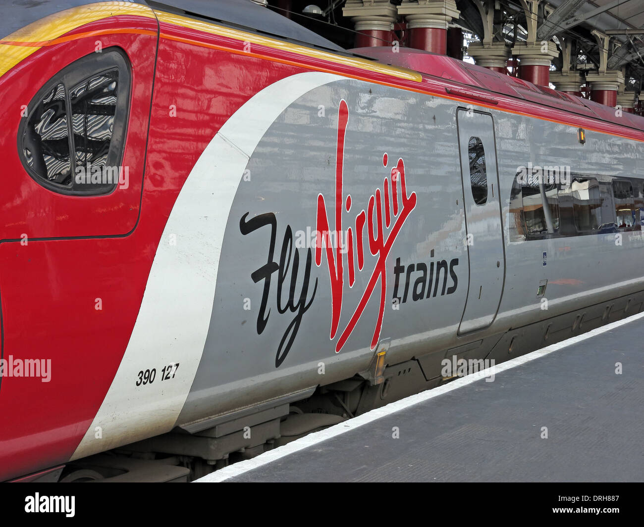 Street,west,coast,main,line,mainline,westcoast,electrification,project,HS2,HS1,hi,speed,pendo,pendalino,hi-speed,Hispeed,engineering,alstrom,London,station,train,operating,company,in,the,United,Kingdom,owned,by,Virgin,Group,and,Stagecoach,intercity,NW,England,North,west,NORTHWEST,upgrade,PPM,Gotonysmith,stations,red,white,&,gray,livery,development,agency,Class,221,Super,Voyager,Richard,Branson,Branston,Pickle,British,diesel-electric,multiple-unit,express,trains,built,in,Belgium,by,Bombardier,Transportation,GB,Great,Britain,Class,220,Voyager,units,BR,British,Rail,Chester,Crewe,Warrington,BQ,Bank,Quay,franchise,premiums,Office,of,Rail,Regulation,statistics,derailed,derail,on,the,platform,platforms,at,Buy Pictures of,Buy Images Of