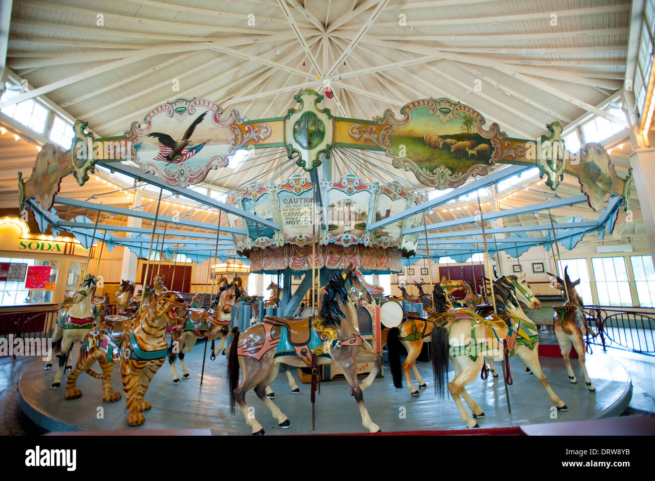 usa-mississippi-ms-miss-meridian-dentzel-carousel-built-in-1896-DRW8YB.jpg