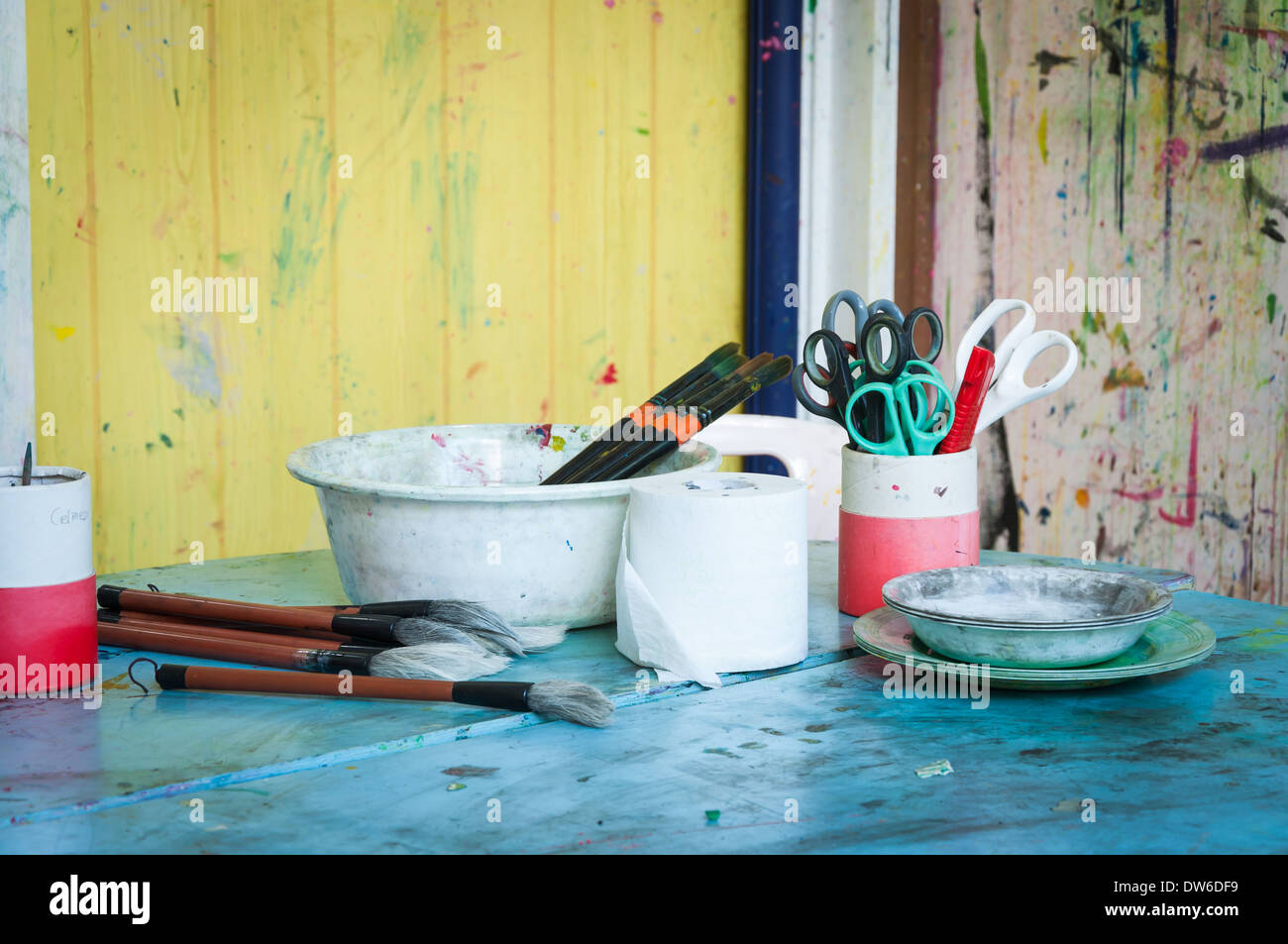 Art supplies on a table in a classroom Stock Photo: 67139837 - Alamy