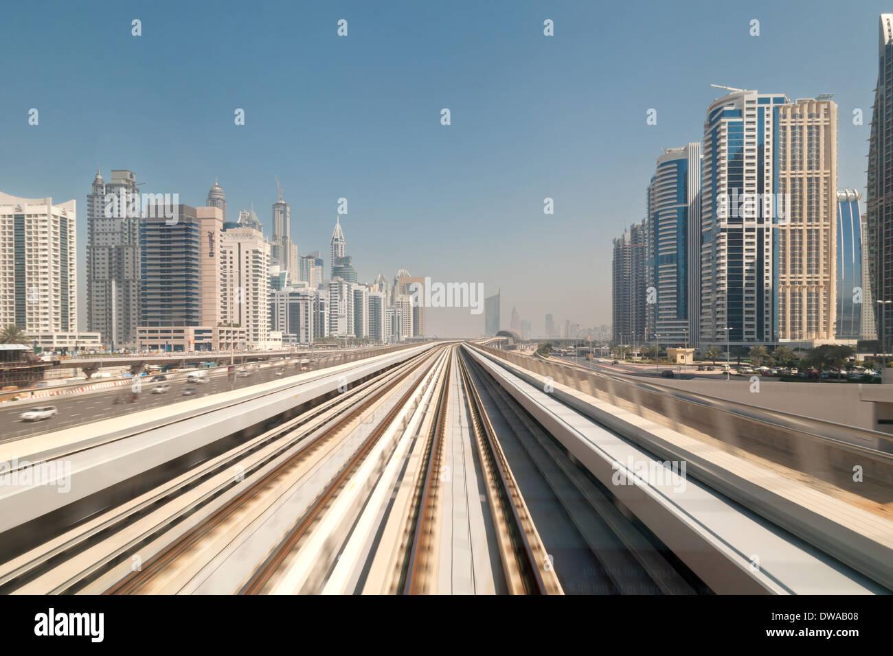 dubai-metro-speed-blur-of-the-track-when-the-train-is-in-motion-dubai-DWAB08.jpg