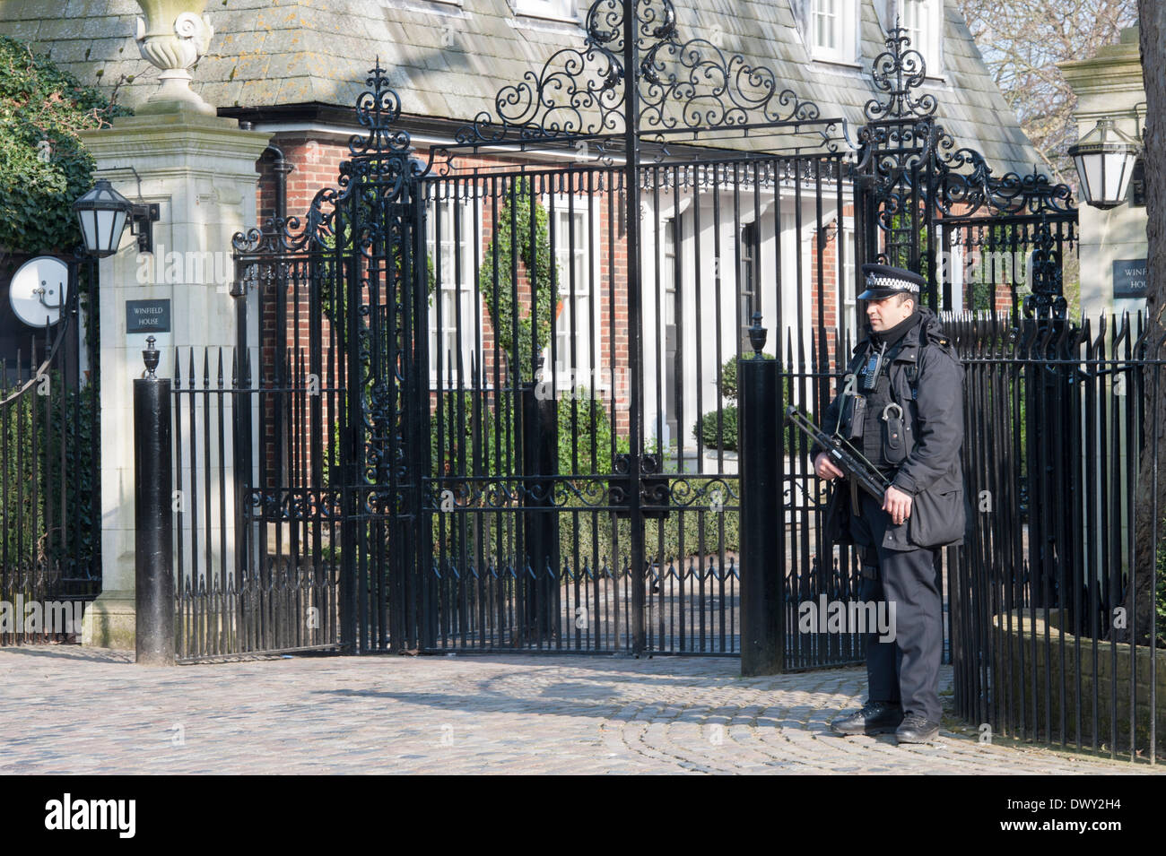Winfield House, London, UK. 14th March 2014. US Secretary of State John Kerry & Sergei Lavrov hold talks on - Stock Image
