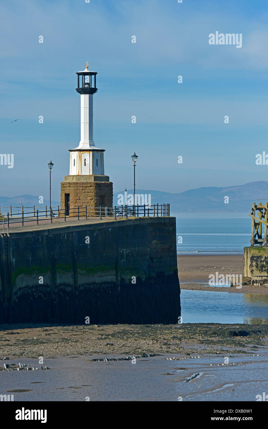 the-harbour-and-lighthouse-maryport-cumbria-england-united-kingdom-DXB0W1.jpg