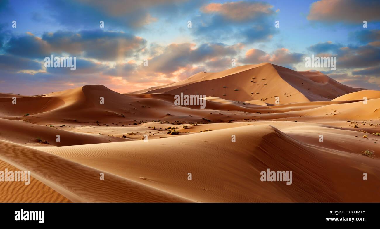 Sahara sand dunes of erg Chebbi, Morocco, Africa - Stock Image