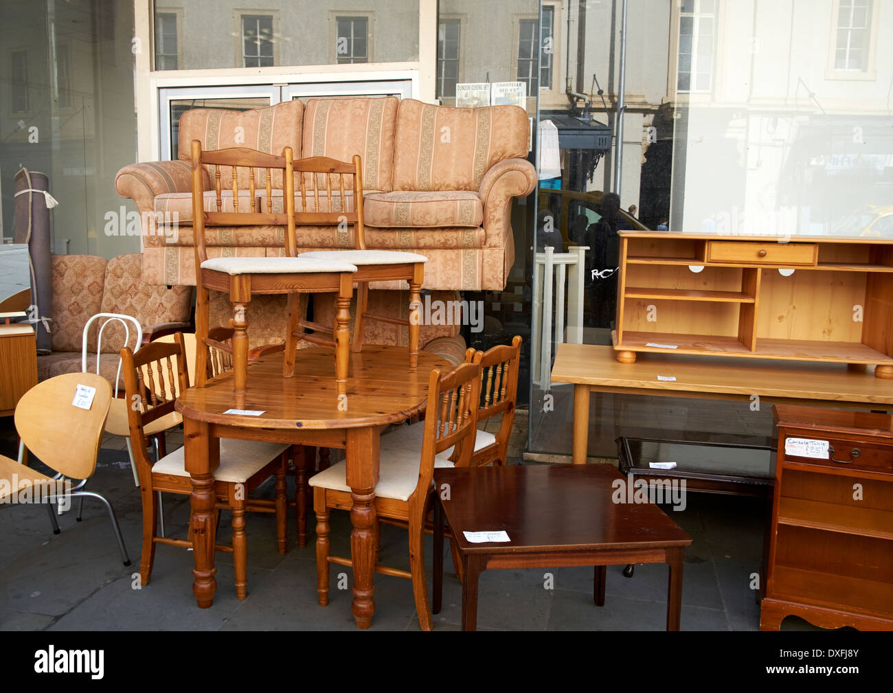 Gentil Used Second Hand Furniture On Sale On A UK High Street