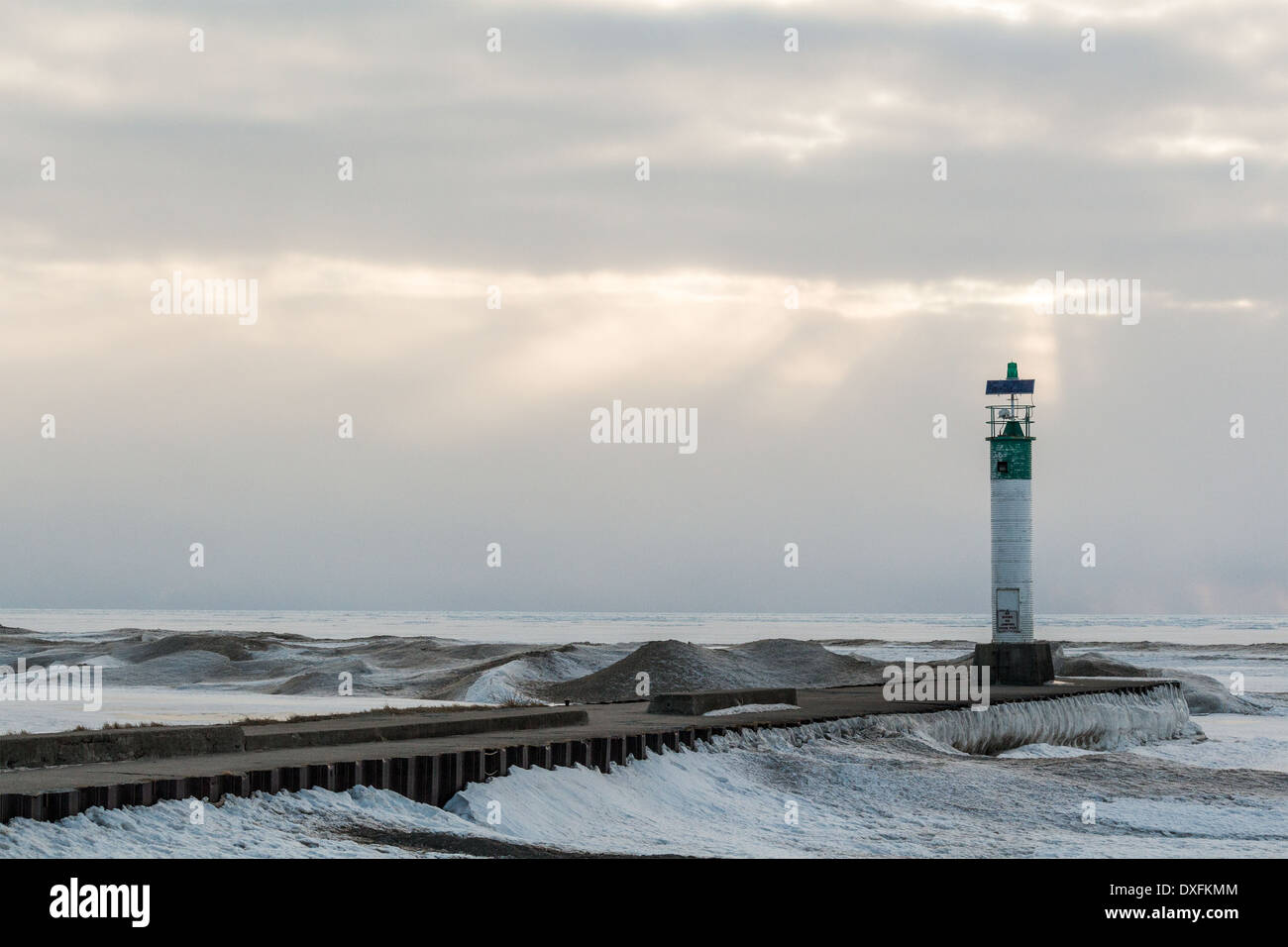 grand-bend-ontario-lighthouse-at-the-end-of-the-pier-as-the-sunsets-DXFKMM.jpg
