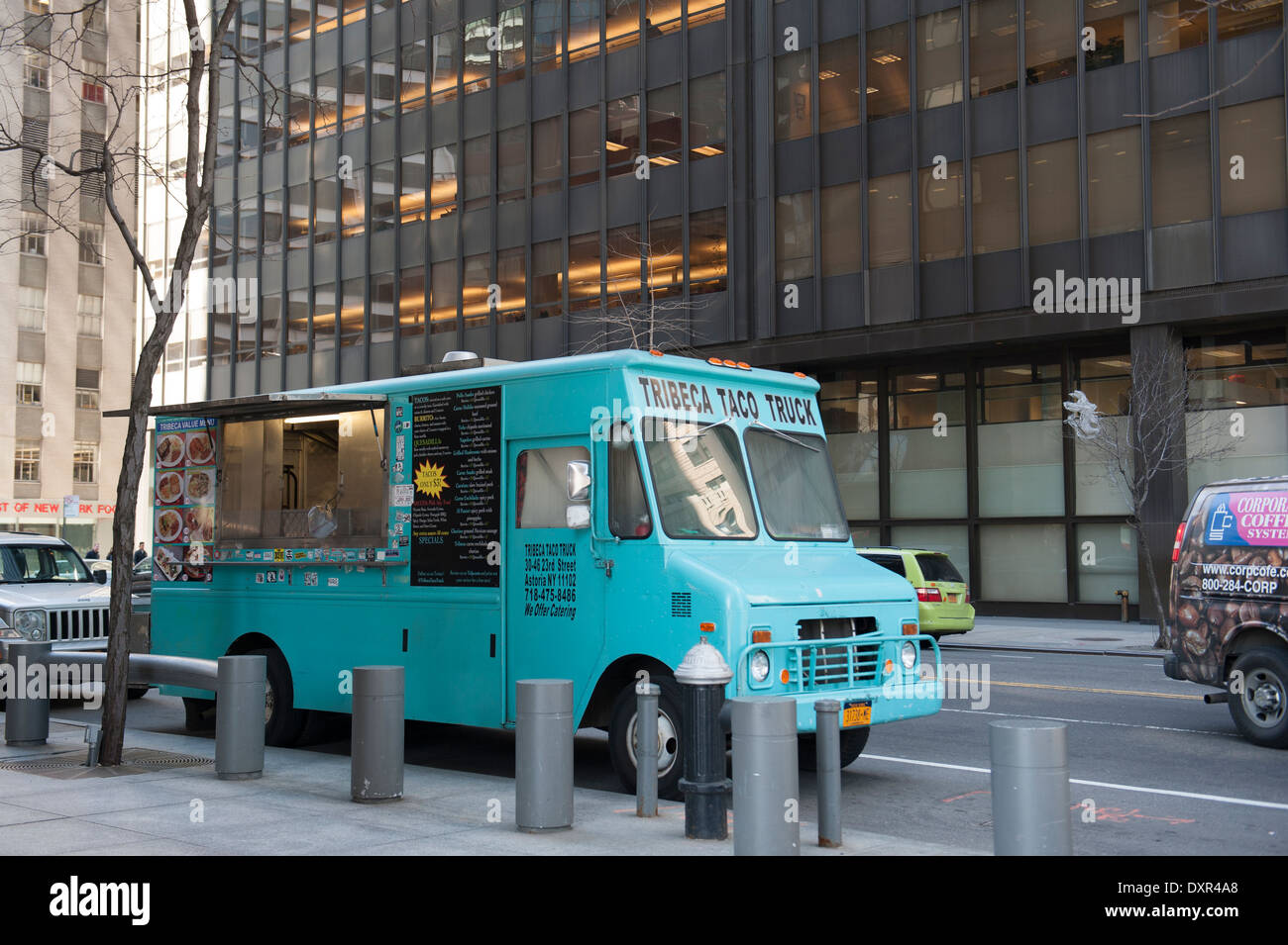 A food truck on Water Street in Lower Manhattan, New York City. - Stock Image