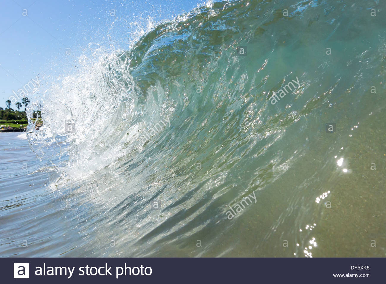 high-surf-at-kamaole-beach-3-in-kihei-on