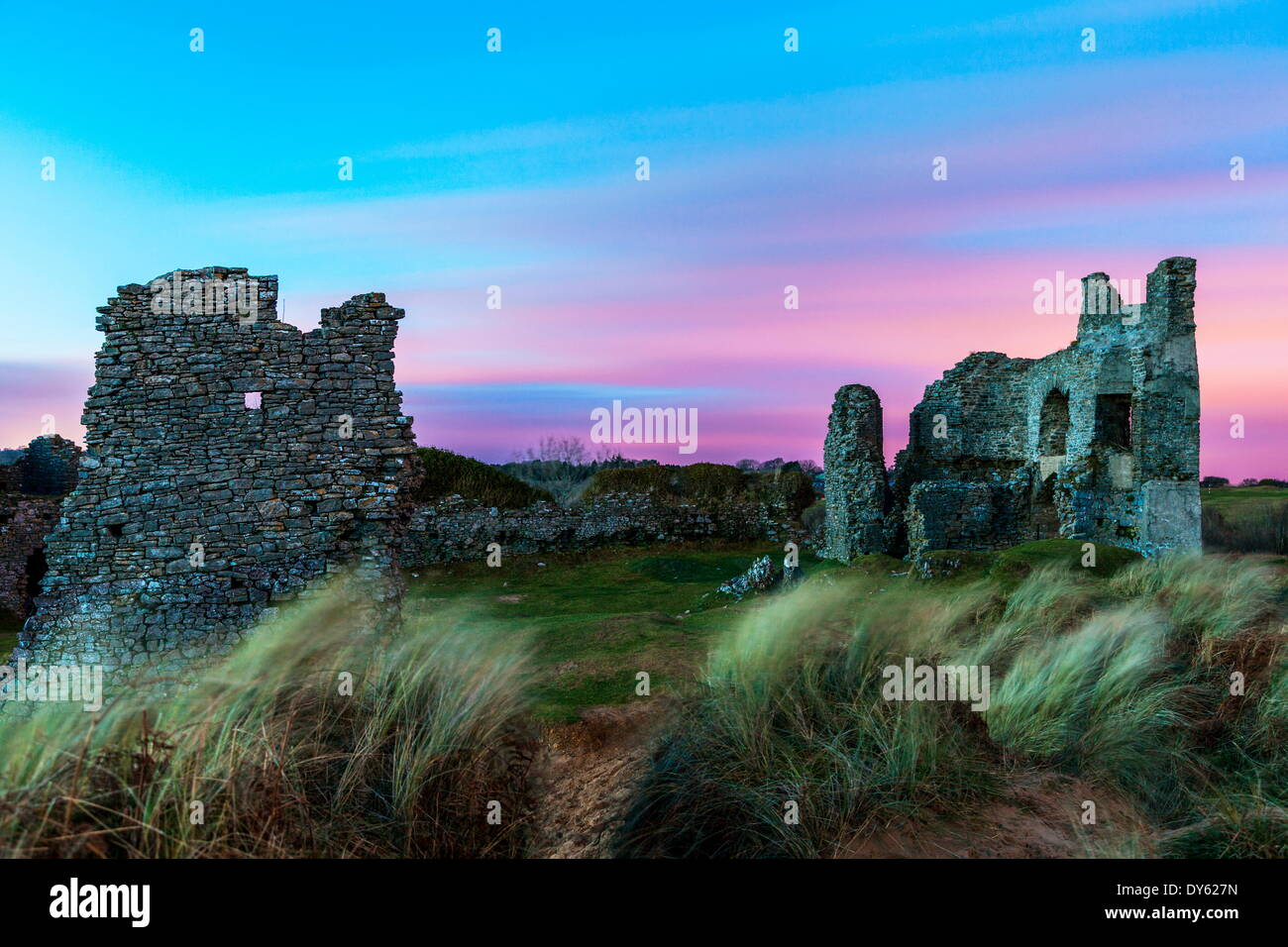 Pennard Castle, overlooking Three Cliffs Bay, Gower, Wales, United Kingdom, Europe - Stock Image