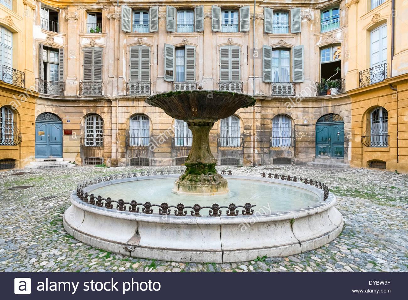 Fountain on Place Albertas, Aix-en-Provence, Bouches-du-Rhône, Provence-Alpes-Côte d'Azur, France - Stock Image