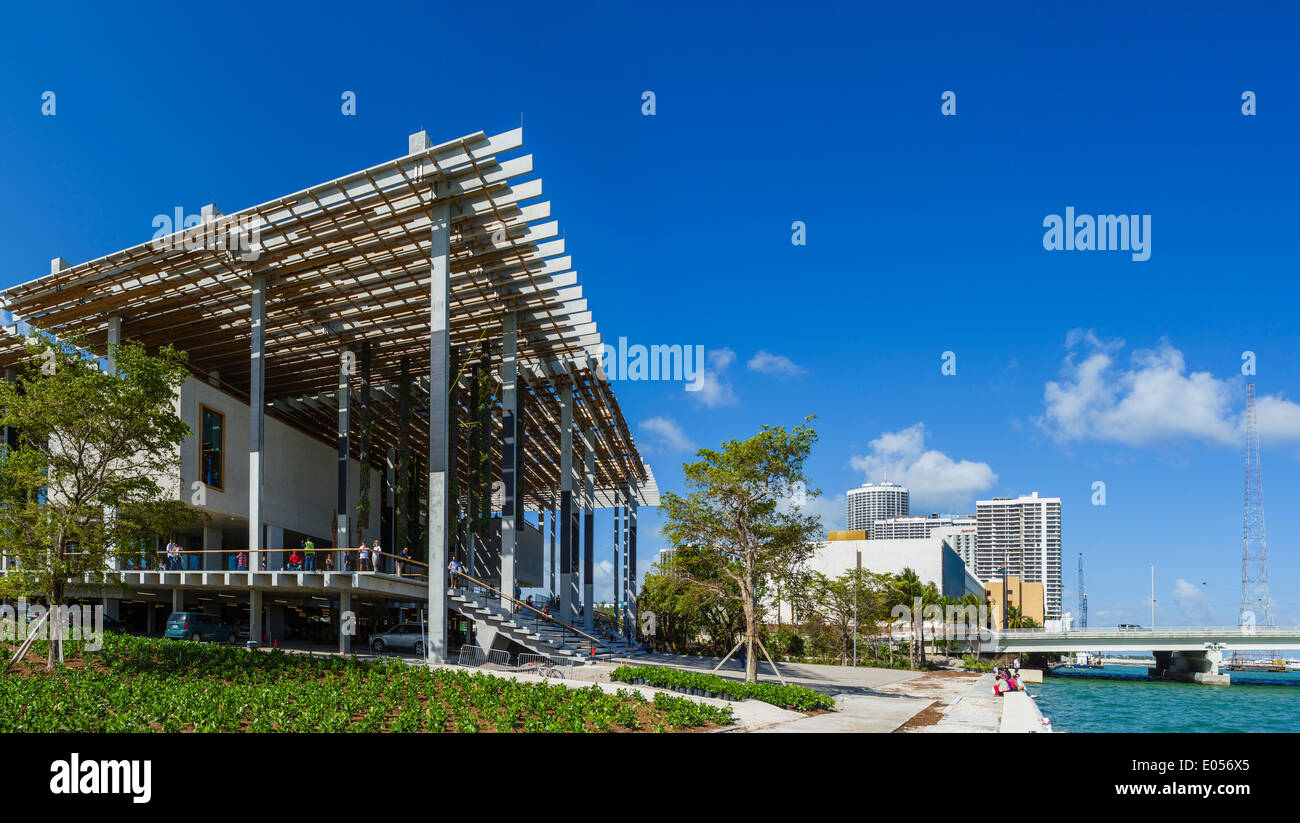 The newly opened (as of December 2013) Perez Art Museum of Miami (PAMM), Museum Park, Miami, Florida, USA - Stock Image