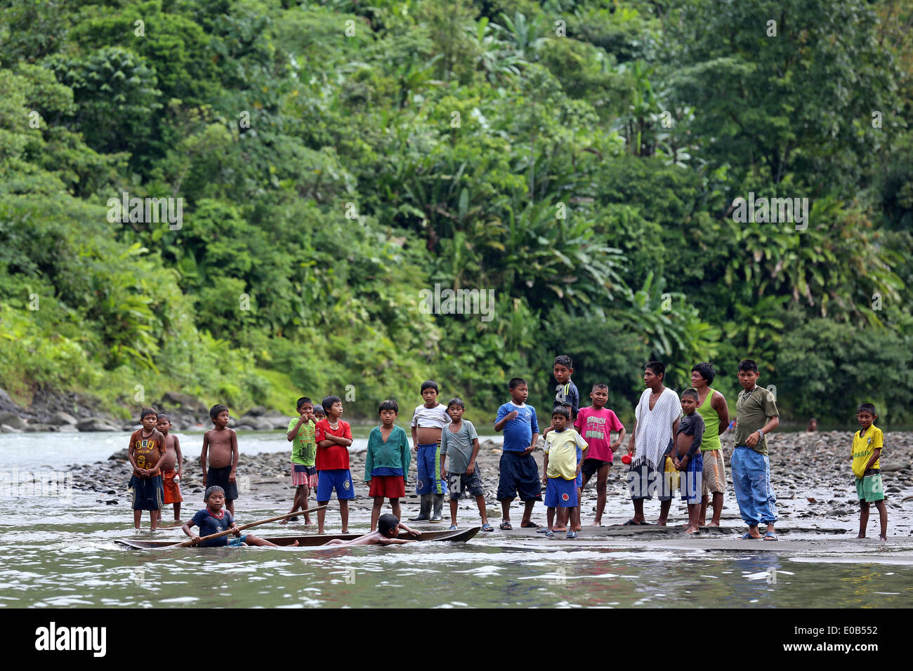 indigenous tribes people on the banks of river Rio Baudo. Jungle village Puerto Alegre Nauca, Choco province,  Colombia - Stock Image