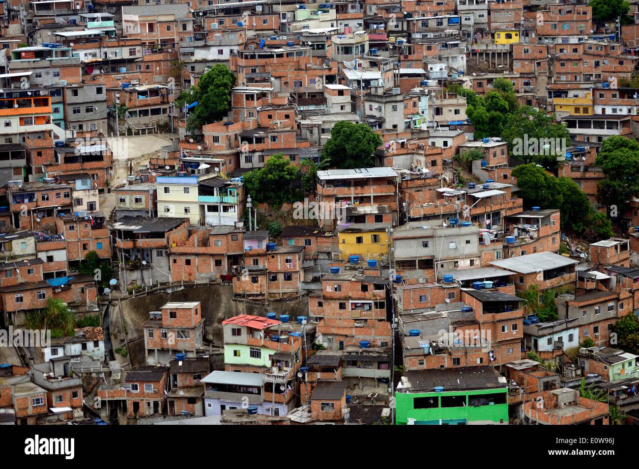 complexo do alemao favela rio de janeiro brazil stock photo