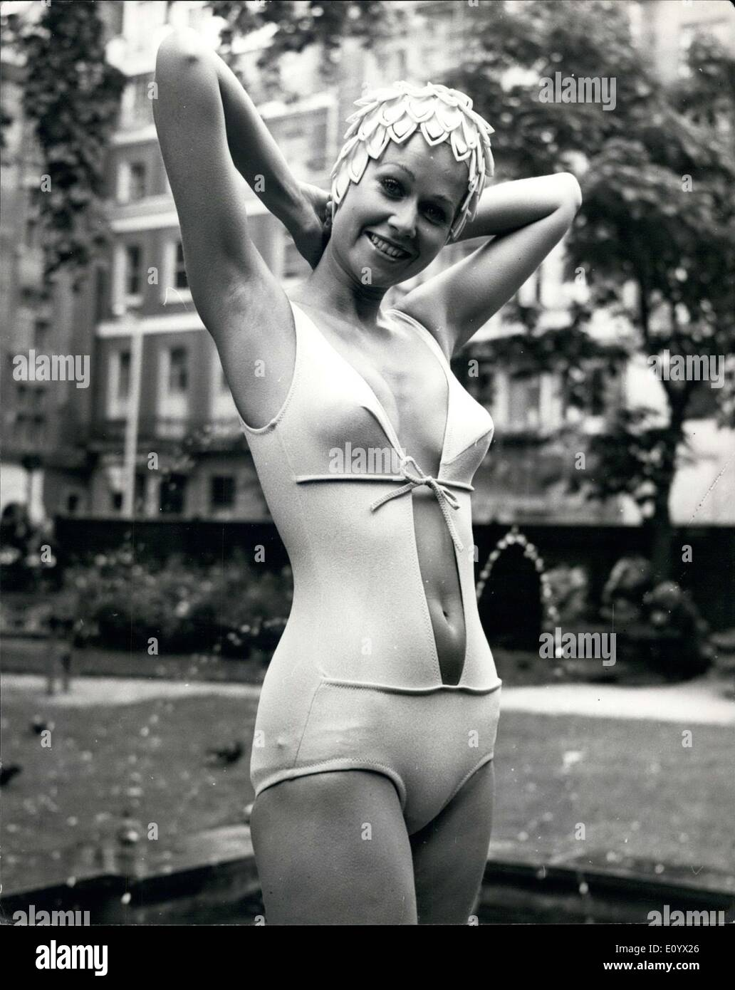 Sep. 02, 1971 - Swimwear for 1971: Photo shows Model Pat Hinwood wars ''Hot''-a swimsuit in Antron - Stock Image