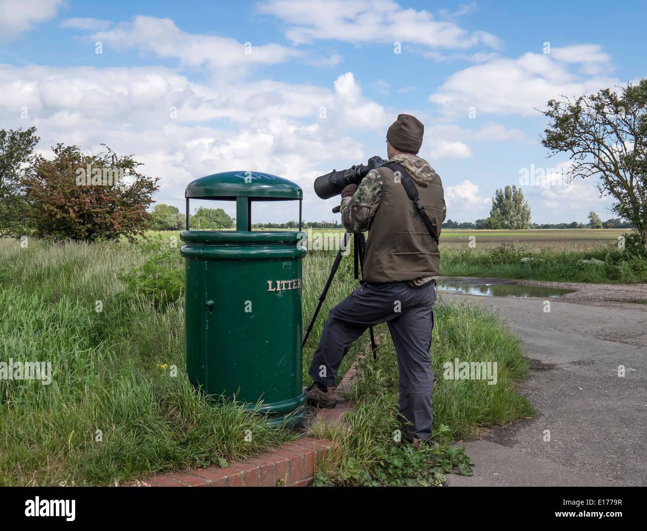 wildlife-photographer-in-action-E1779R.jpg
