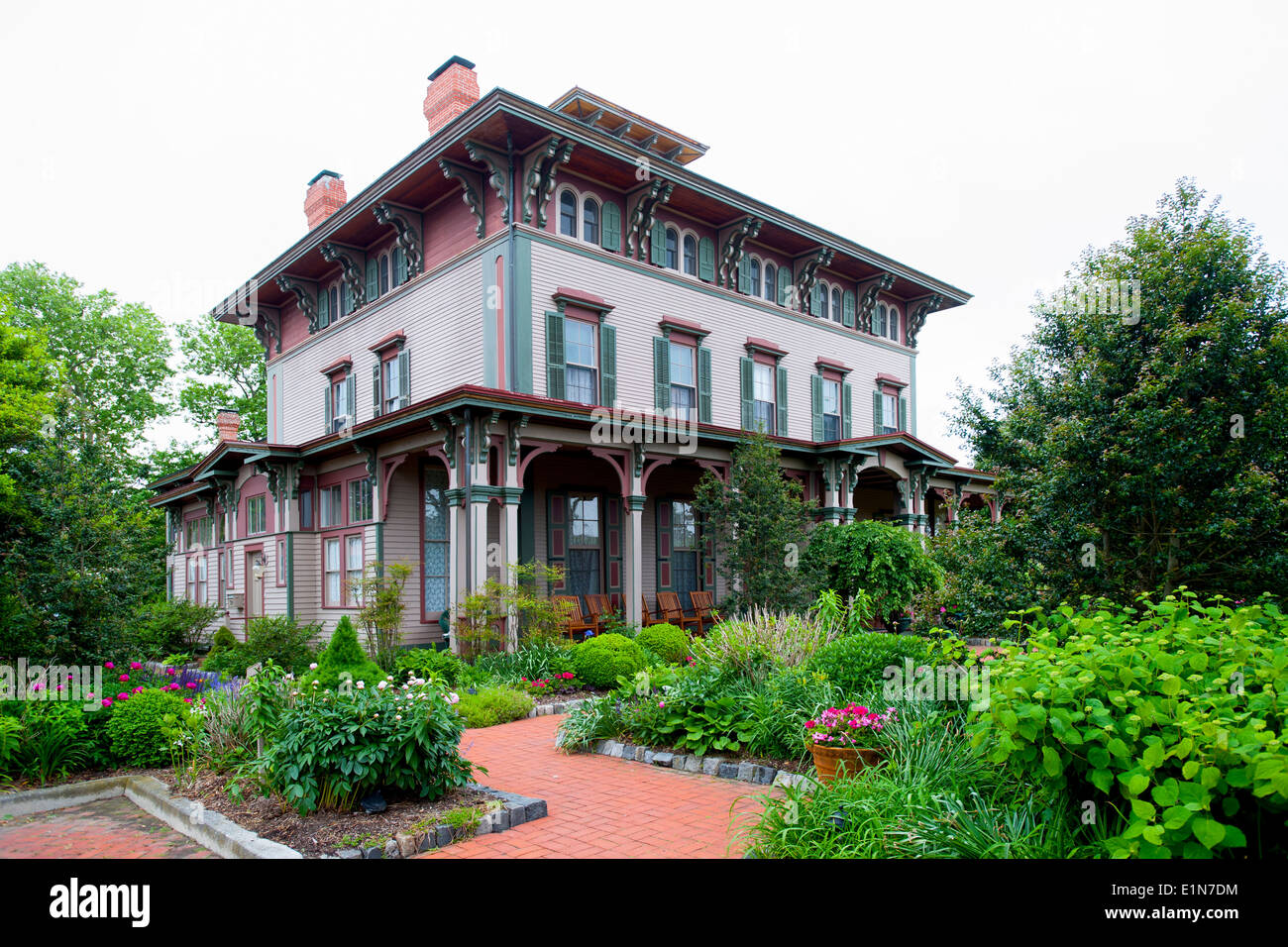 usa-new-jersey-nj-cape-may-southern-mansion-b-b-hotel-old-victorian-E1N7DM.jpg