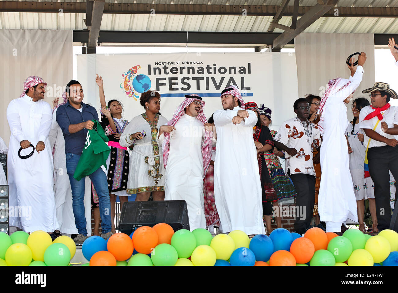 International Festival and Fashion Show participants from Laos, Thailand, Mexico, Africa and Saudi Arabia in Arkansas. - Stock Image