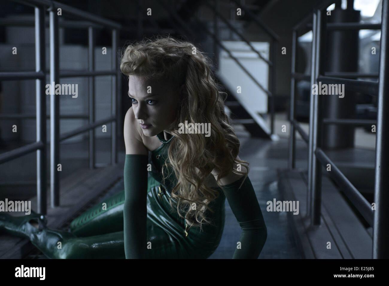 Svetlana Khodchenkova in film 'Wolverine : le combat de l'immortel' - (The Wolverine) - 2013  Featuring: - Stock Image