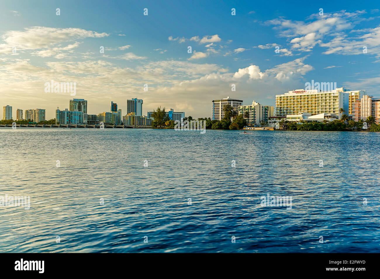 El Condado Lagoon and skyline, El Condado, San Juan, Puerto Rico - Stock Image