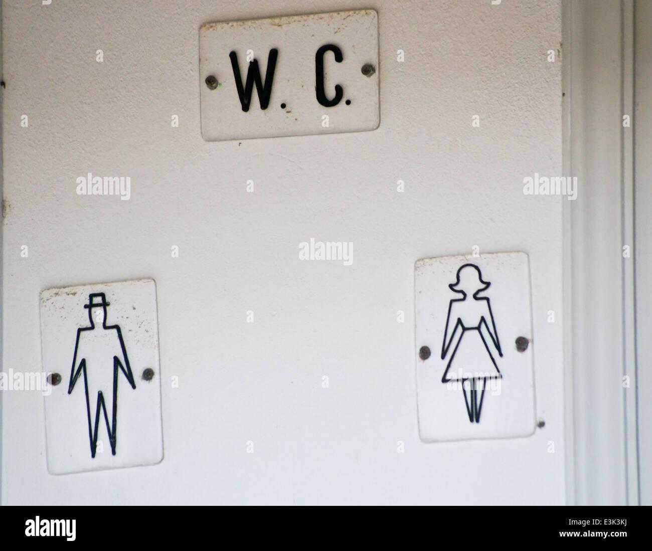 toilet-sign-with-diagrams-of-man-and-woman-kos-town-kos-greece-E3K3KJ.jpg