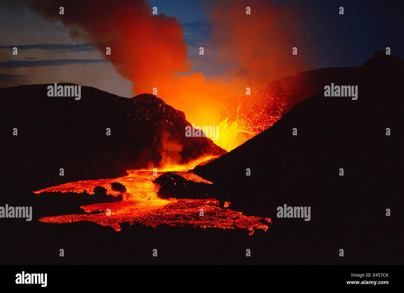 Red hot lava flow from Kimanura volcano eruption, Virunga NP, Dem Rep of Congo 1989 Africa Stock Photo