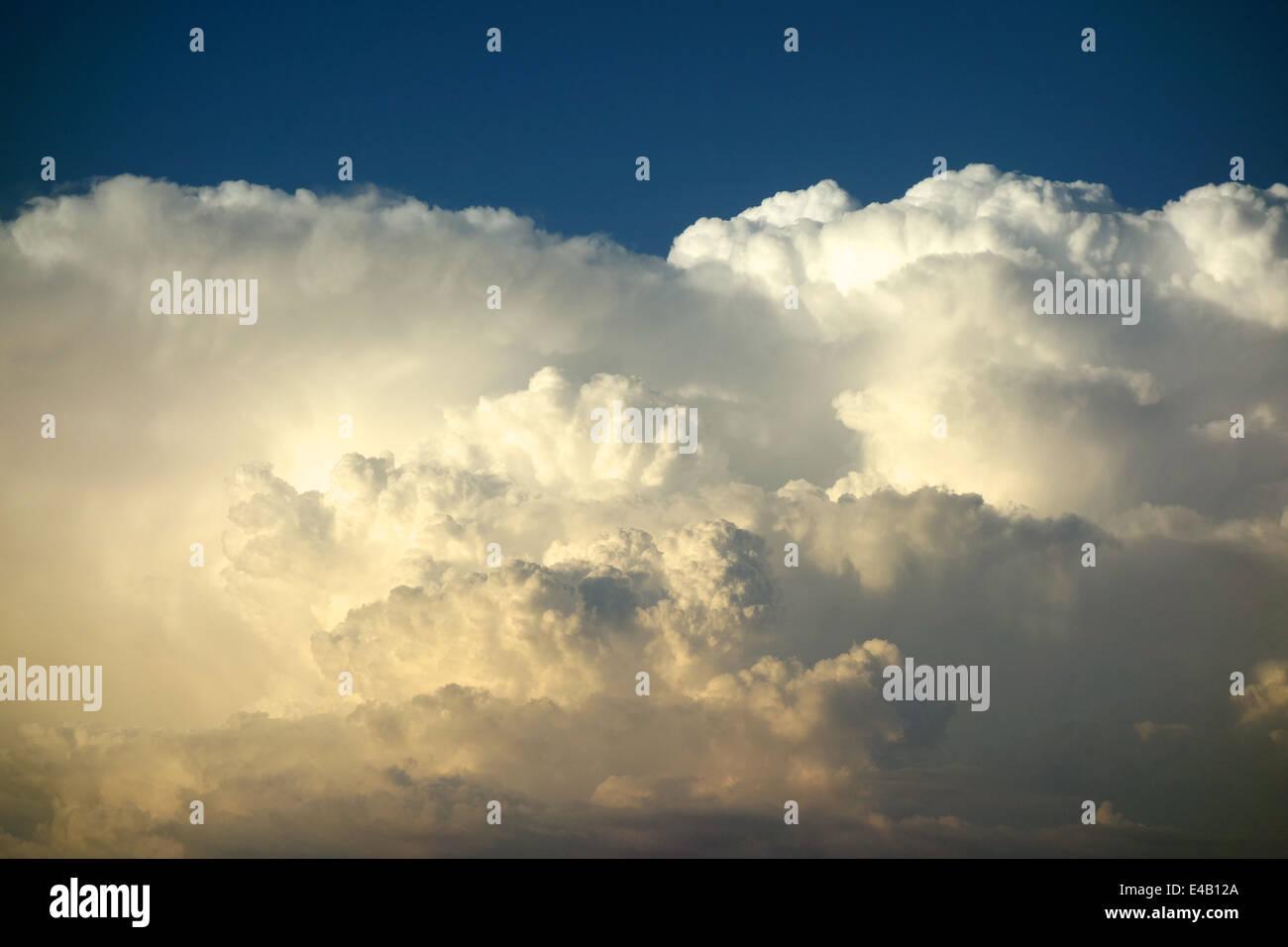 a-towering-cumulonimbus-cloud-E4B12A.jpg