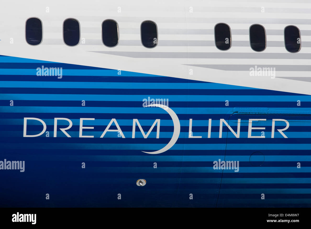 detail-of-a-boeing-787-9-dreamliner-jet-