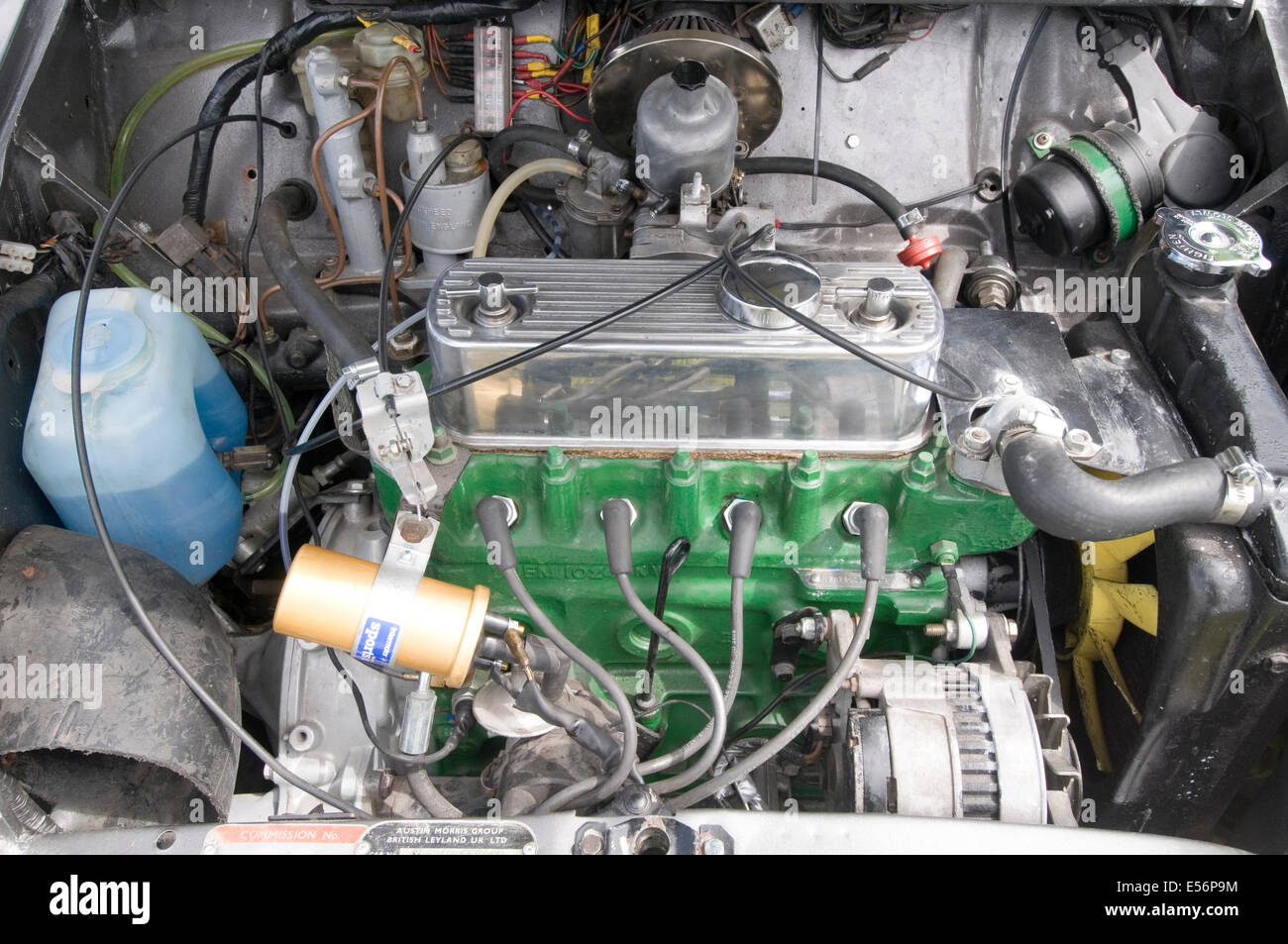mini engine car cars internal combustion a series bmc leyland british classic motor maintenance simple ignition - Stock Image