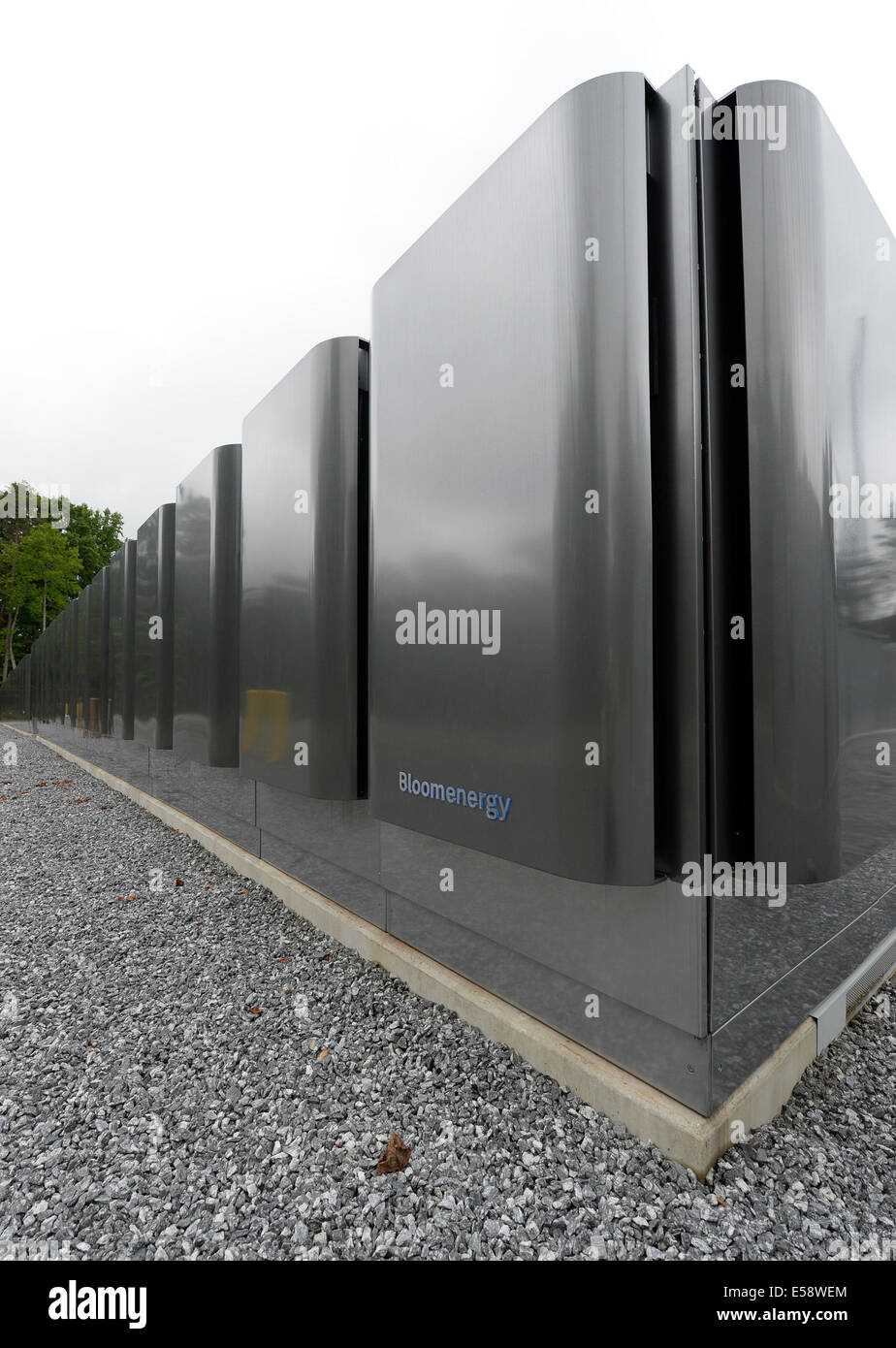 Maiden. 24th July, 2014. Photo taken on July 22, 2014 shows the methane gas fuel cells at Apple Data Center in Maiden, - Stock Image
