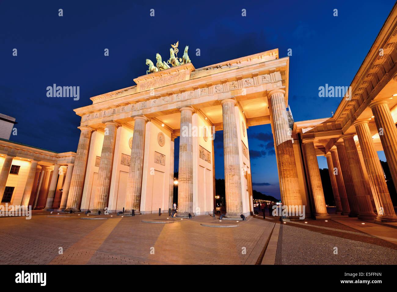 Germany, Berlin: Brandenburg Gate  by night - Stock Image