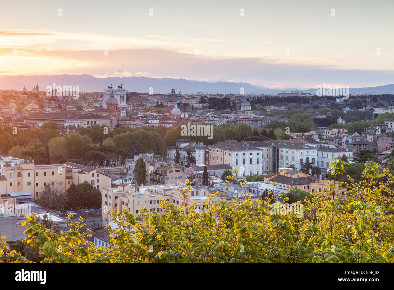 The view over the rooftops of Rome from Gianicolo. - Stock Image