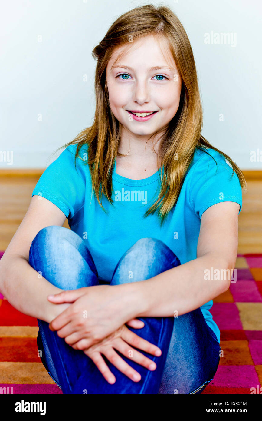 11 Year Old Blonde Girl: 11-year-old Girl Stock Photo: 72423700