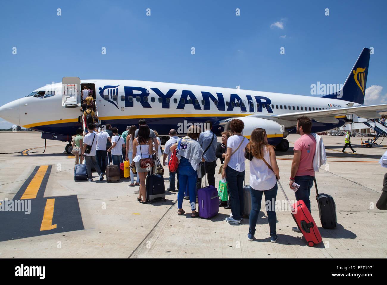 Passengers board a Ryanair flight at Seville airport Stock Photo
