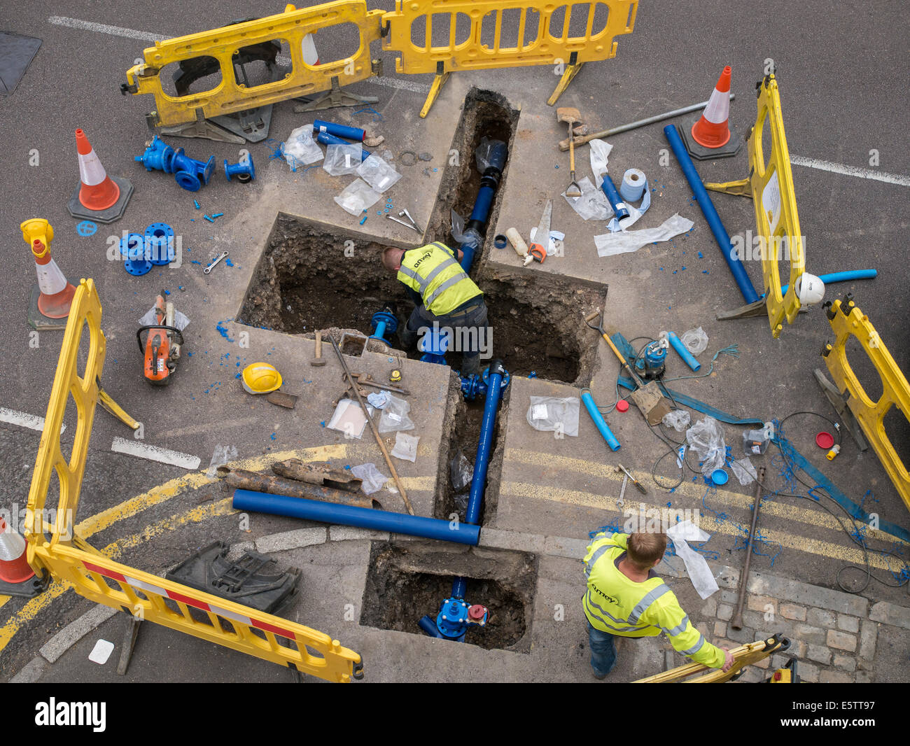 uk-roadworks-repair-and-replacement-of-u