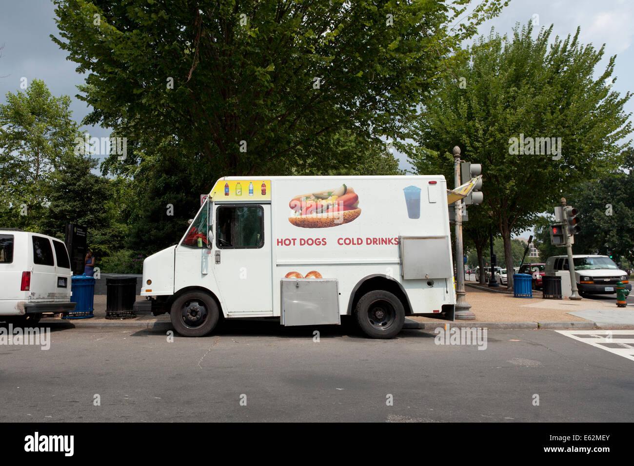 Hot dog food truck - USA - Stock Image
