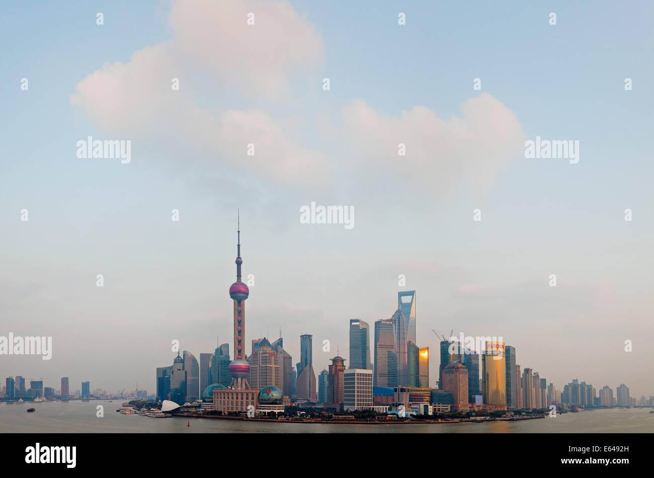 Pudong skyline & Huangpu River, Shanghai, China - Stock Image