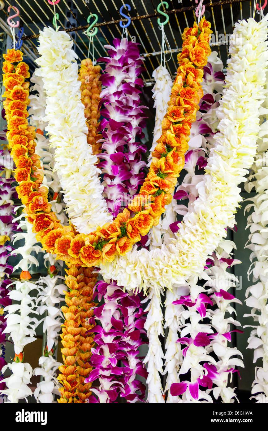 Hawaii oahu hawaiian honolulu chinatown maunakea street shopping hawaii oahu hawaiian honolulu chinatown maunakea street shopping flower leis display sale izmirmasajfo
